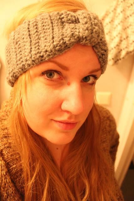 Cilia verkade nöjd med sitt pannband också, även om det inte var så originellt som vantarna. Snodde denna bilden från hennes blogg, jag hoppas du inte hade något emot det C! :)